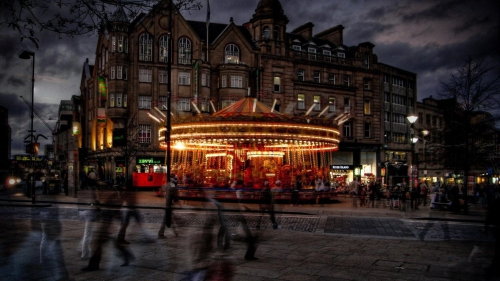 nature-landscapes_hdwallpaper_merry-go-round-in-sheffield-engl-hdr_24163.jpg