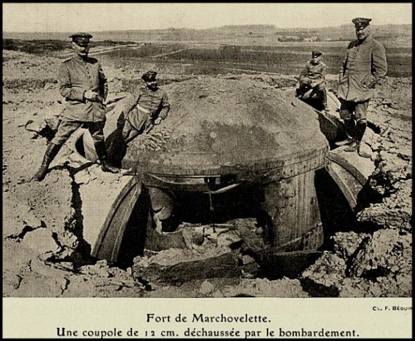 site-fort-de-marchovelette-une-coupole-de-120mm-déchaussée.jpg