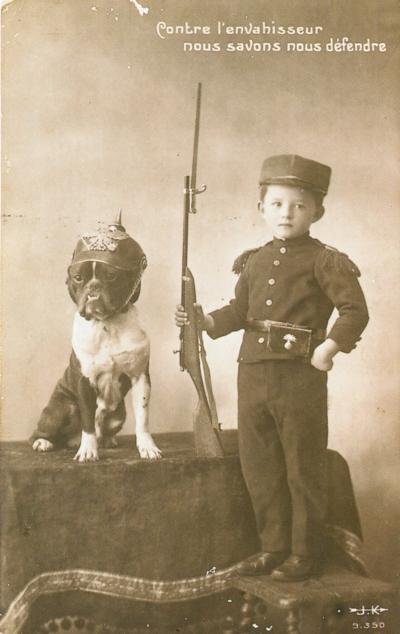 Carte-Postale-Postcard-1914-1918-Contre-lenvahisseur-nous-savons-nous-défendre-Against-the-invader-we-know-to-defend-ourselves.jpg