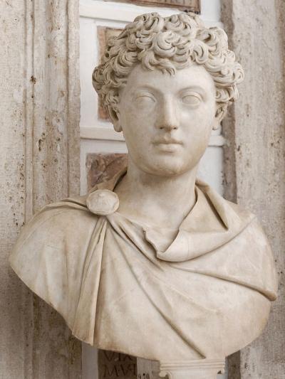 640px-Young_Marcus_Aurelius_Musei_Capitolini_MC279.jpg