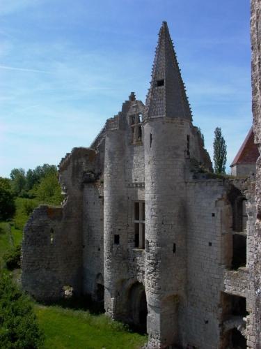 chateau-d-armentieres-aisne_c.jpg