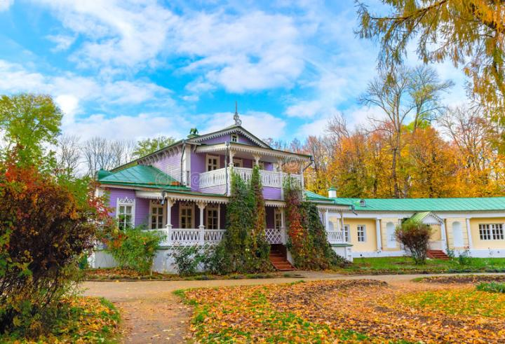 spassky-lutovinovo-turgenev-estate-near-oryol-russia-october-museum-manor-i-s-fall-78892884