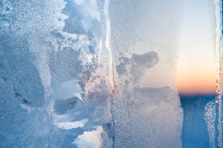 frost-on-windows-learn-how-to-stop-ice-buildup