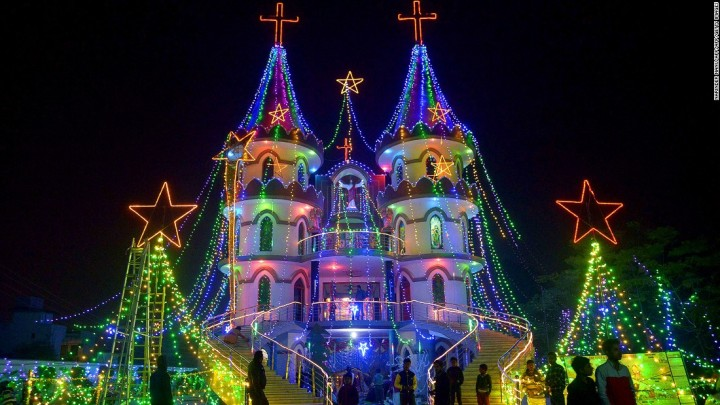 151223170602-christmas-light-2015-india-super-169