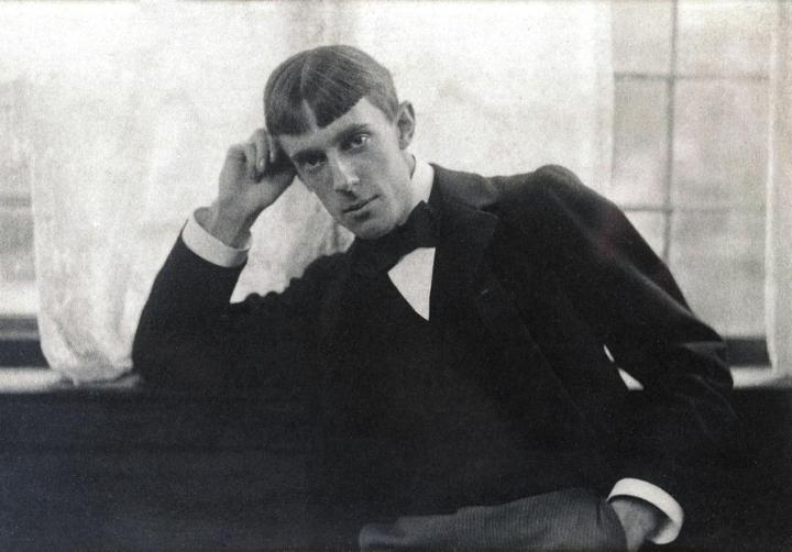 Aubrey_Beardsley_by_Frederick_Hollyer,_1893