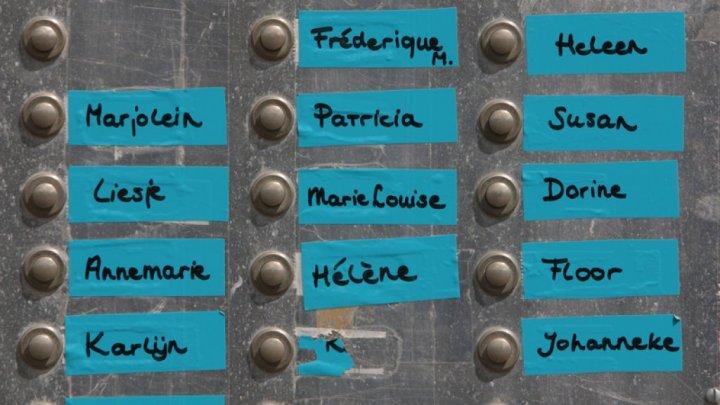 deurbellen-met-namen-studen